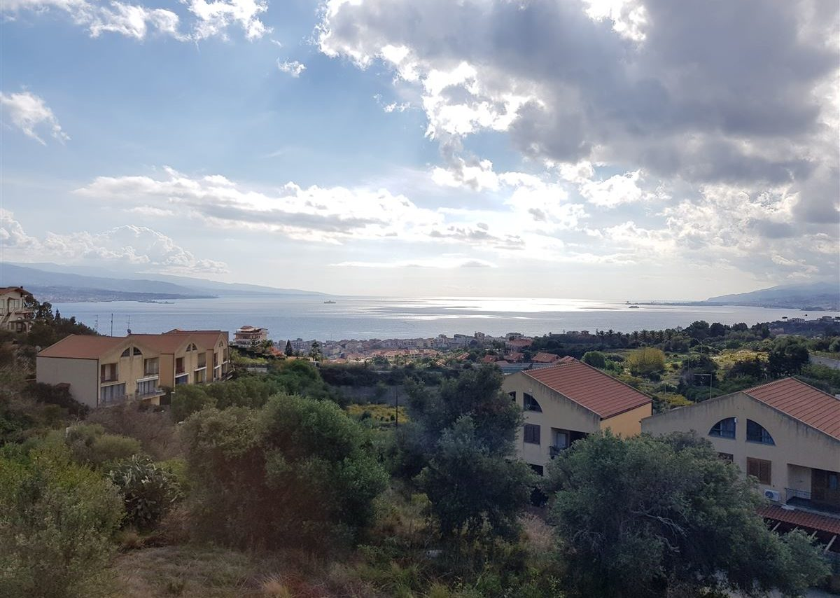 Panoramica dello Stretto