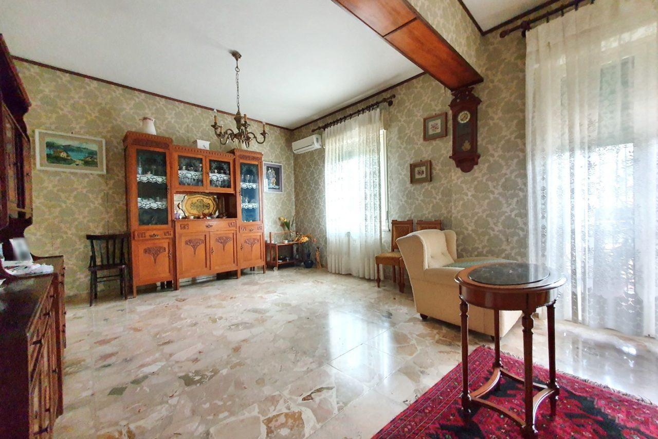 Via Monti Aurunci (Villa Lina)